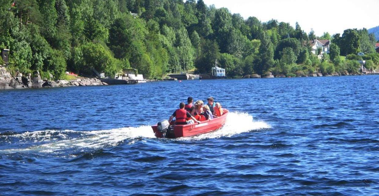 GJO - Gallery - Fishing - Accommodation close to fishing spots - Camping - Boat on Mjøsa - Pioneer